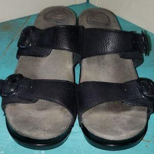 Comfy Dansko leather heeled sandals black